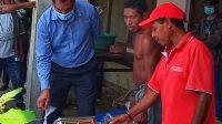 vise Ministru Komérsiu Industria Domingos Lopes Antunes iha fatin tetu na'an iha suai Loro, Covalima (10/2). Foto Tempo Timor.
